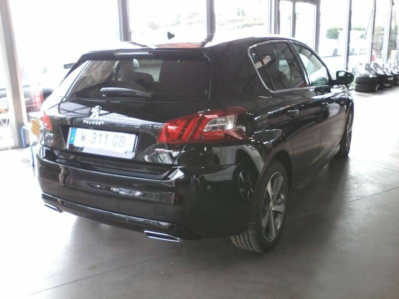Berline Peugeot 308 Vehicule Neuf 24800 00 Par Garage Olivier