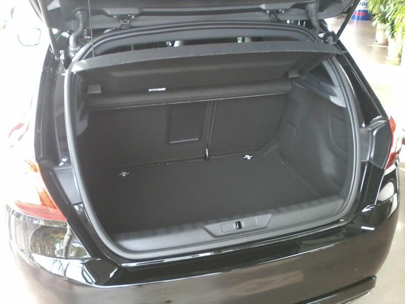 Berline peugeot 308 vehicule neuf par for Garage peugeot saint just